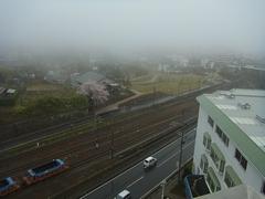 うっ、あまり天気の良くない朝