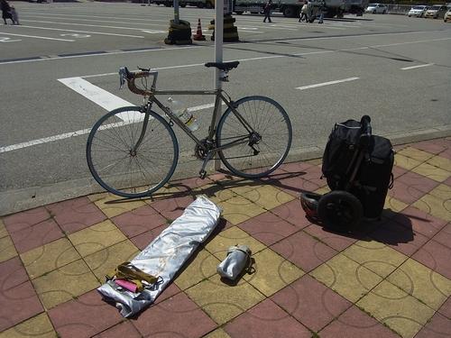 自転車を組み立てる