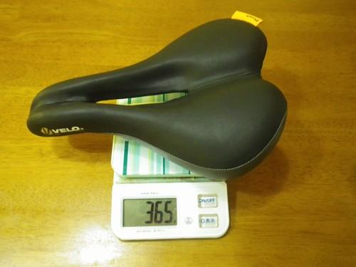 サドルの重量