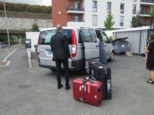 パリ到着→バイクケースゲット→SIMゲット→タクシーにてホテルへ