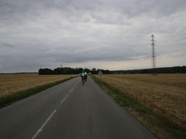 自転車の 自転車 赤信号無視 : で、20分も走ると郊外へ出て ...